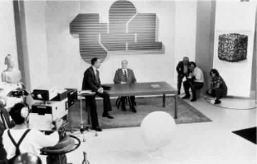 648x415_avril-1985-presentateur-yves-mourousi-recoit-francois-mitterrand-jt-tf1