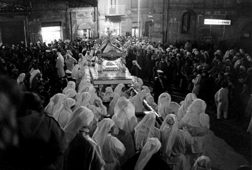 Enna, Sicilia: processione del venerdÏ santo.